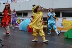 raduga-tanzaktivitaeten_auch_beim_stadtteilfest_in_marl-huels-sued_am_31515_3_20180122_2086442678